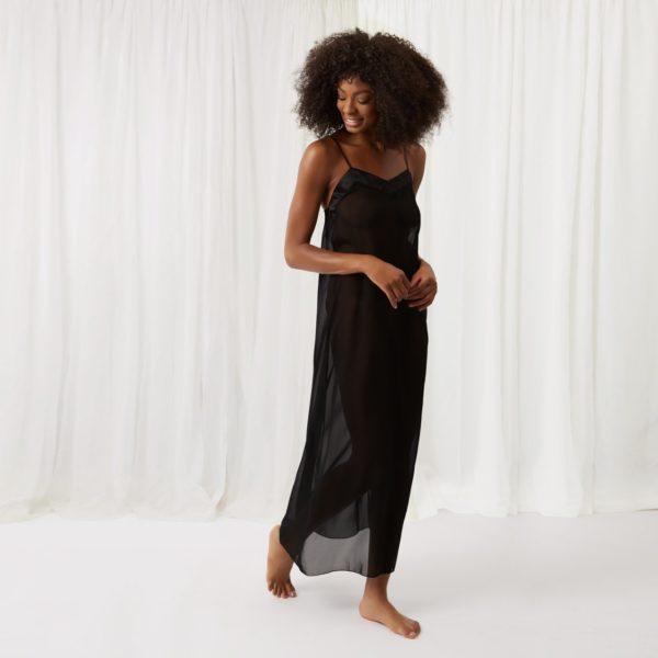 Georgia hosszú fekete hálóruha