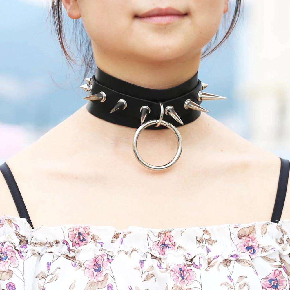 divatos fesztivál nyakörv